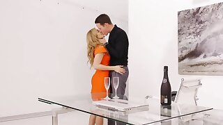 Romantic dinner d�bris for excited fastener with sensual sex