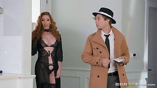 pretty Lauren Phillips has amazing ideas for reaching good orgasm