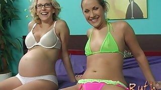 Chelsie Rae shares a cock with Ruth Blackwell and gets cream pied