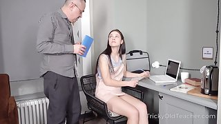 Tall cute coed Nikka Hill be subjected to study how to fuck a man